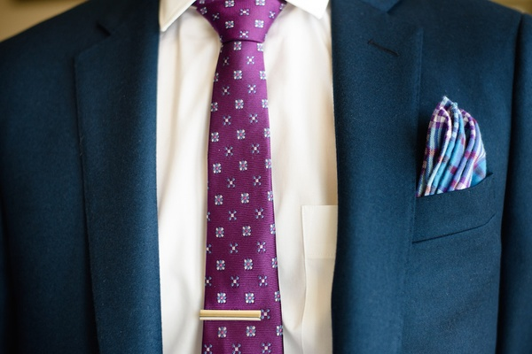 Plaid pocket square and pattern tie with clip