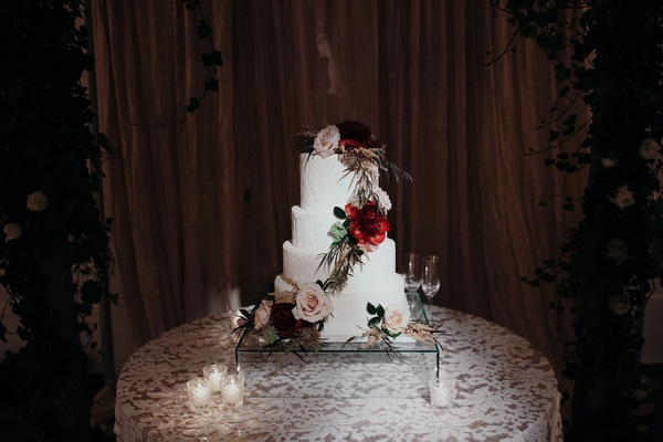 Suzanna Villarreal and Alex Wood LA Dodgers wedding wedding cake white fresh flowers greenery fall