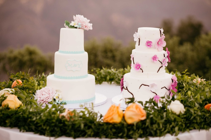 Cakes Desserts Photos Dual Wedding Cakes For Double Wedding