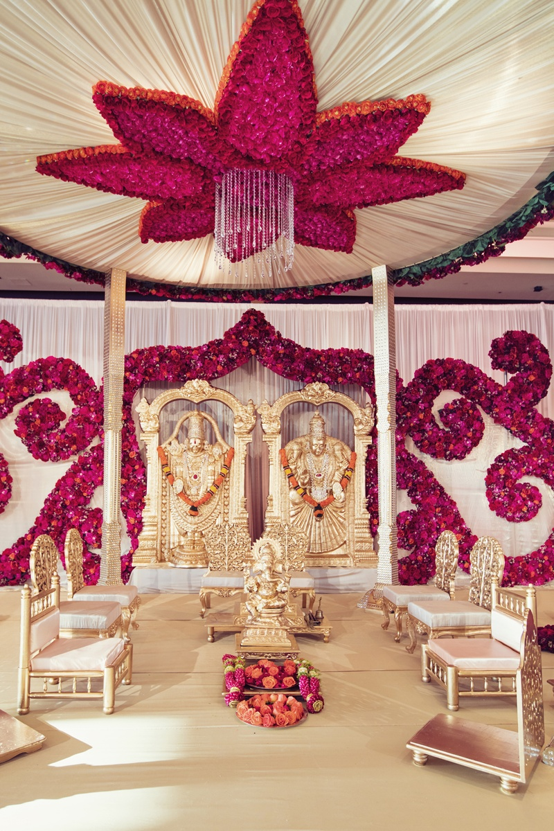 Ceremony d cor photos south indian ceremony altar for Asian wedding house decoration