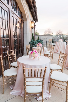 gold chiavari chairs, blush linens, alfresco cocktail hour on