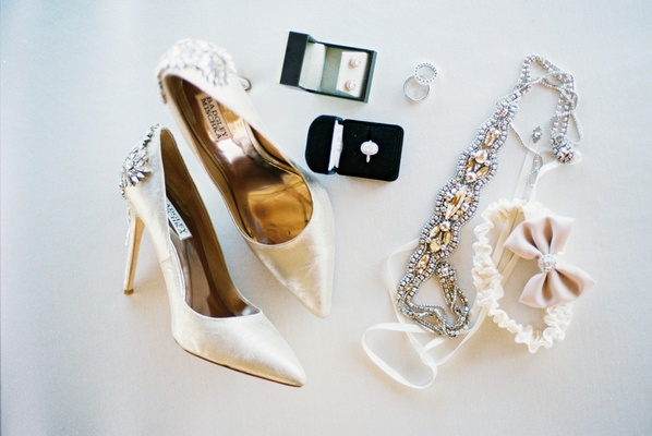 High heels, blush accessories, garter with a bow
