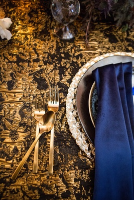 black and gold linen, navy napkin, gold flatware, wedding styled shoot