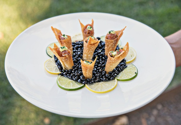 ahi tuna in crispy cone bite size appetizer wedding hors d'oeuvres cocktail hour