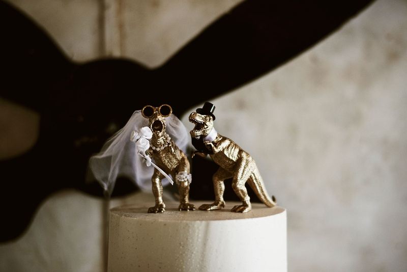 wedding cake topper gold Tyrannosaurus rex with top hat and veil