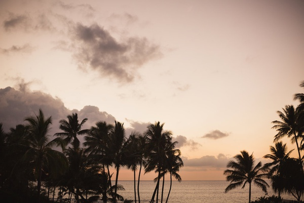 destination wedding in maui, maui wedding overlooking the ocean, maui sunset, outdoor reception