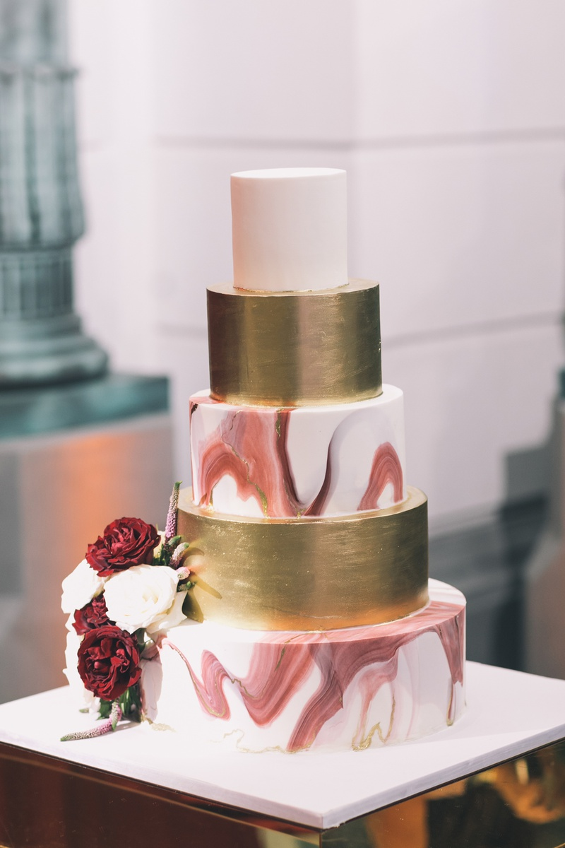 Cakes Desserts Photos Marble And Gold Cake Inside Weddings