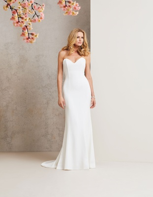 Caroline Castigliano 2018 bridal collection wedding dress Simplicity strapless sweetheart neckline