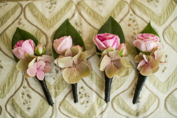 Groomsmen boutonniere flowers and leaf