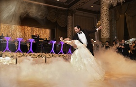 dramatic first dance with dry ice fog at the drake hotel