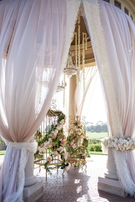 Wedding Ceremony Bird Cage Decoration Idea