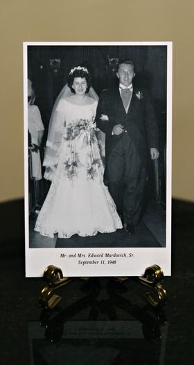 Black and white photo of bride's grandpa and grandma wedding family photos reception cocktail hour