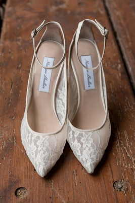 Monique Lhuillier ivory heels with pointed toe
