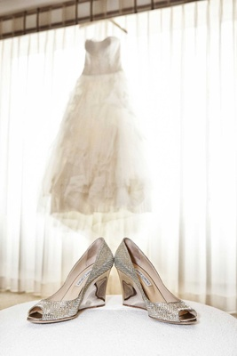 white vera wang bridal ball gown tulle sweetheart neckline silver metallic bejeweled high heels