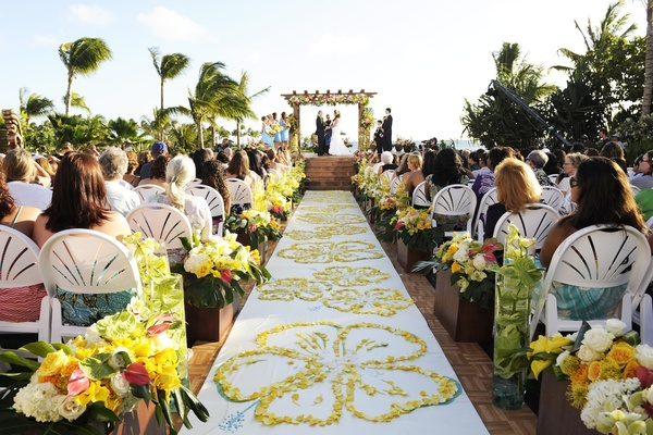 Dream hawaiian wedding contest winners live tv celebration inside televised wedding at hawaiis disney resort aisle runner with yellow petals in hibiscus design junglespirit Images