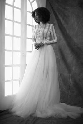 Francesa Miranda fall 2019 bridal collection wedding dress Arianna turtleneck tulle overskirt