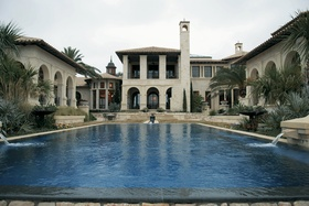 San Antonio home with large pool