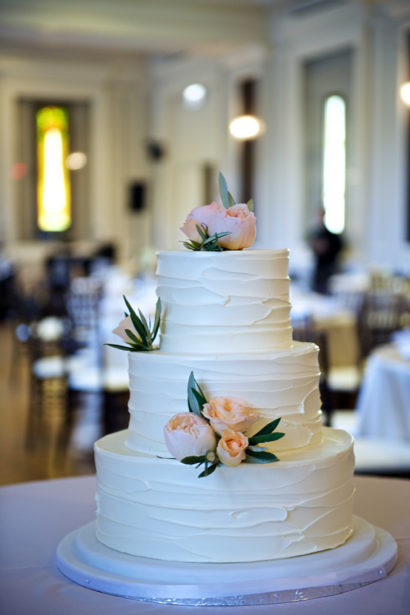 peach and white wedding cake cakes amp desserts photos three layer cake with 18136