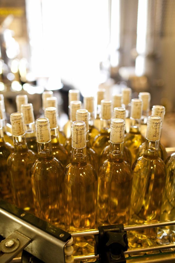 Roanoke Vineyards bottle without label