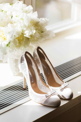 Oscar de la Renta lace wedding heels with bow