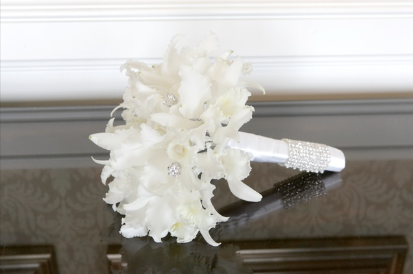 Bride's bouquet of white flowers with rhinestones