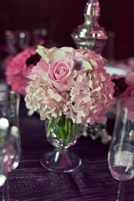 Low centerpiece with pink rose and hydrangea flowers