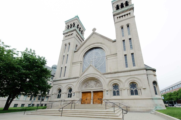 St. Vincent de Paul catholic wedding church in chicago illinois