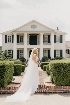 former miss america savvy shields wedding dress veil in arkansas home state wedding ideas