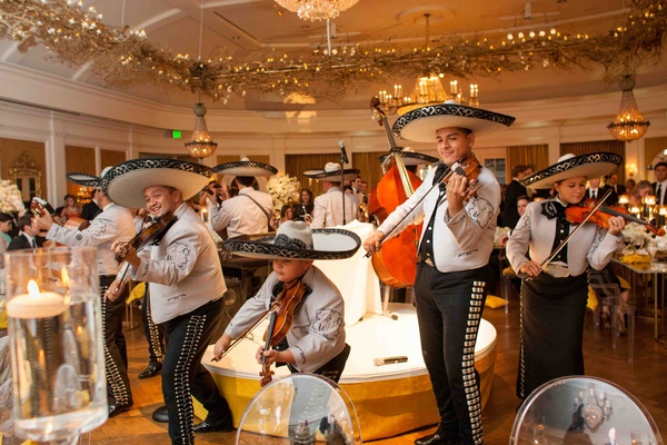 Mariachis perform at elegant country club wedding