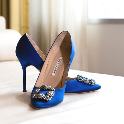 Wedding shoes manolo blahnik bright blue pumps with silver buckle wedding heels