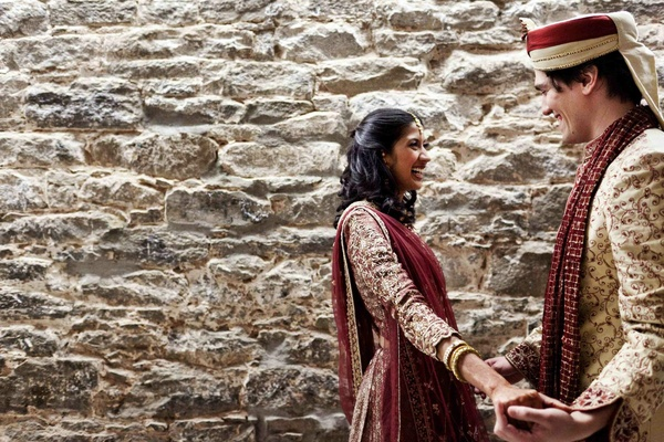 Indian bride with groom in traditional Hindu attire