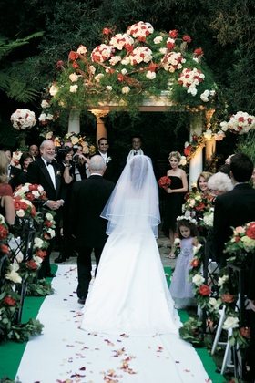 Outdoor Swan Lake ceremony at Hotel Bel-Air