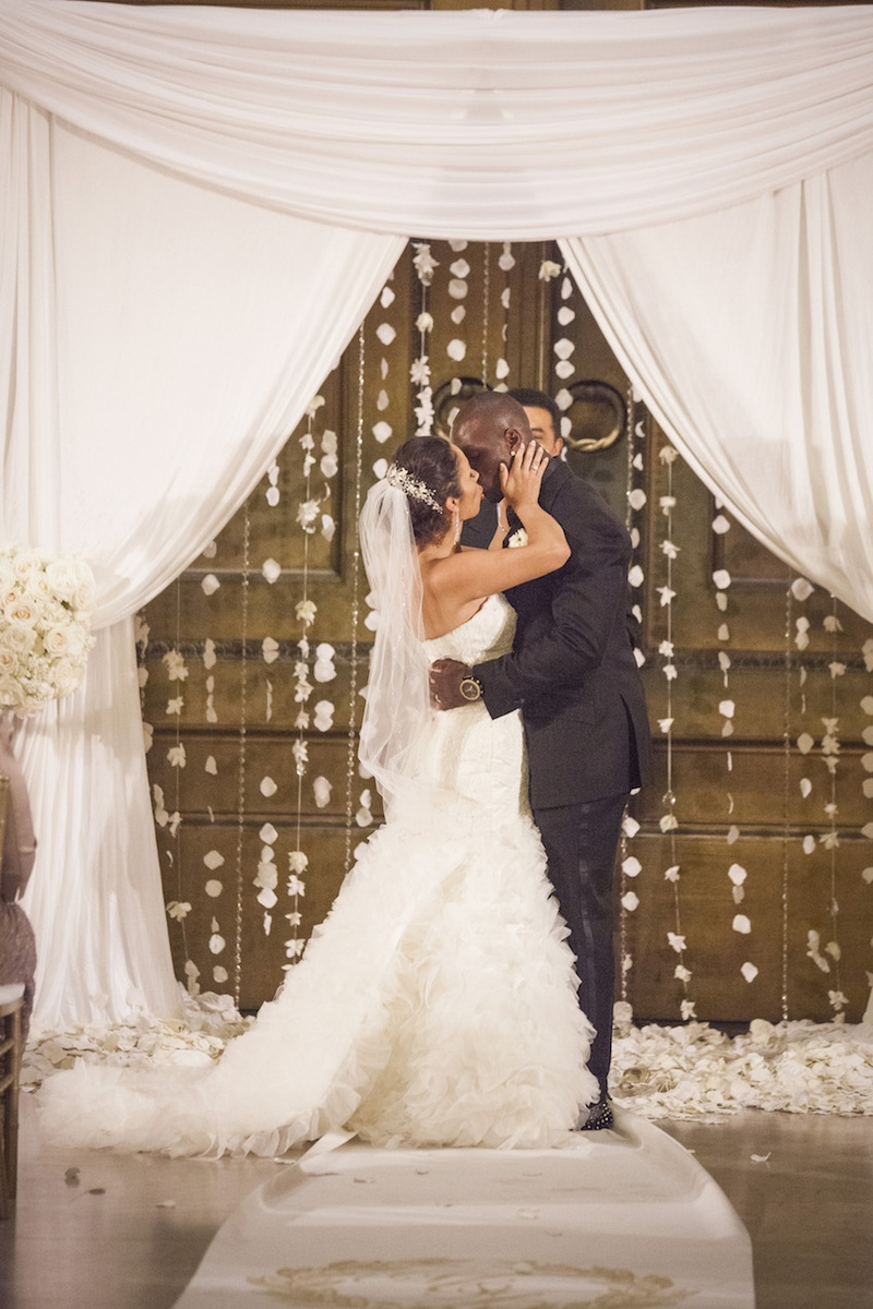 Couples Photos - Jason McCourty Kisses His Bride at Ceremony ...
