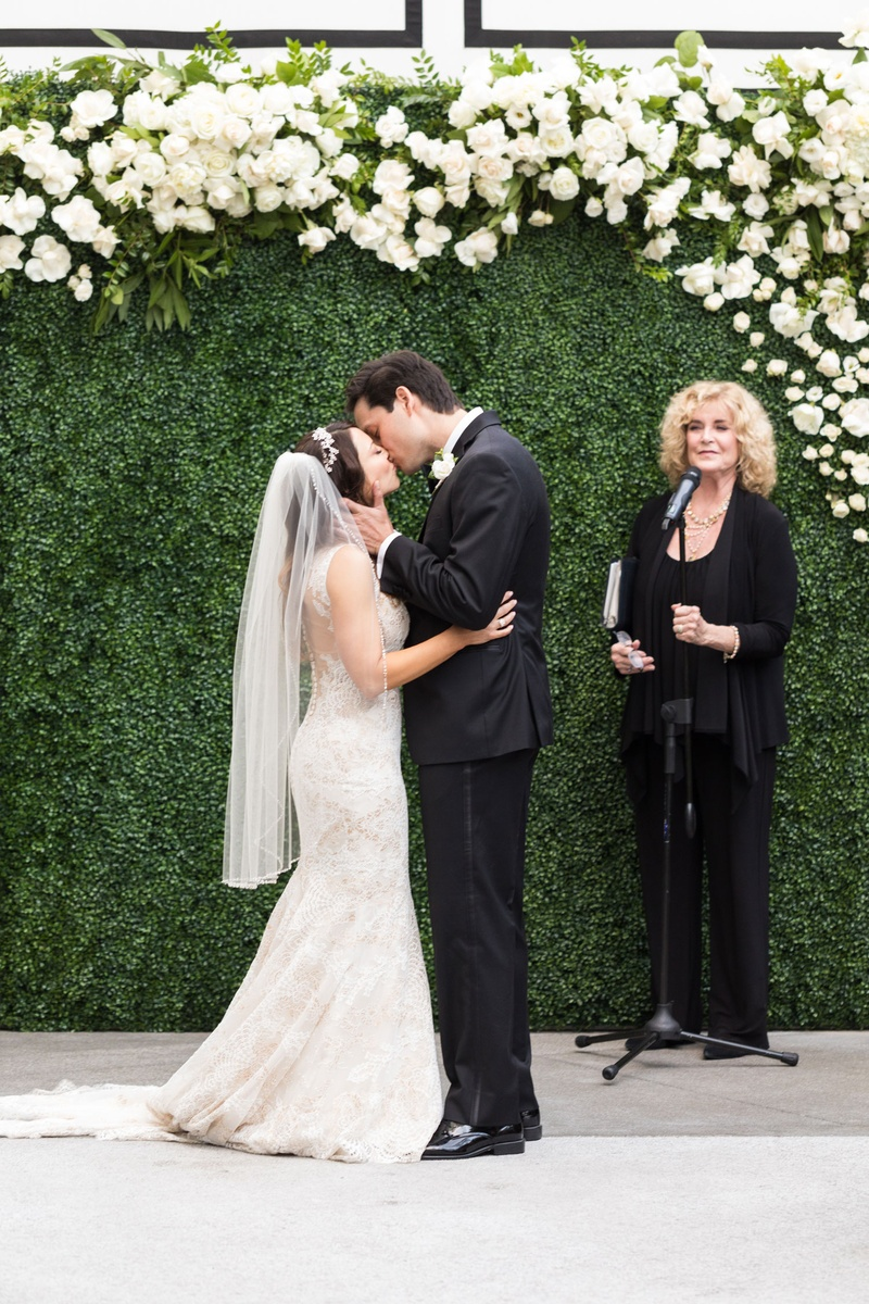 Ceremony Décor Photos - Green Hedge Wall Ceremony Backdrop - Inside ...