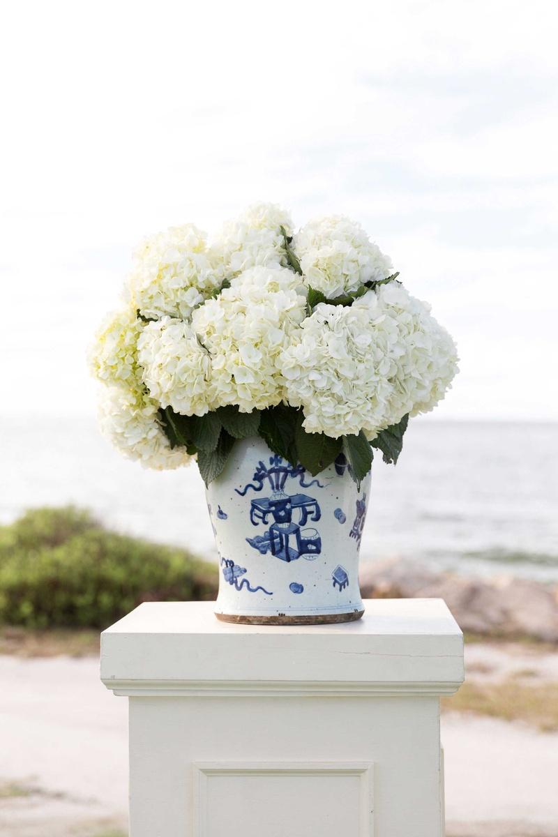 Ceremony Dcor Photos White Hydrangeas In Blue White Vase