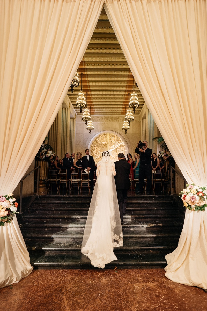 A Festive New Year 39 S Eve Wedding At An Art Deco Venue In Dallas