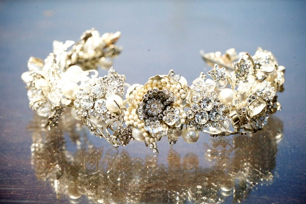 bejeweled headband jewels crystals metallic colors gold and silver floral detail