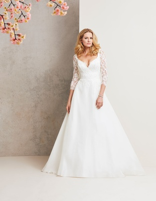 Caroline Castigliano 2018 bridal collection wedding dress Monarchy three quarter sleeve dresses lace