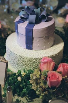Textured wedding cake with round box top tier