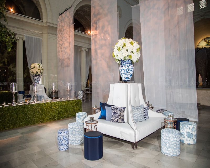 Blue & white chic furniture gave guests a place to take in the view.
