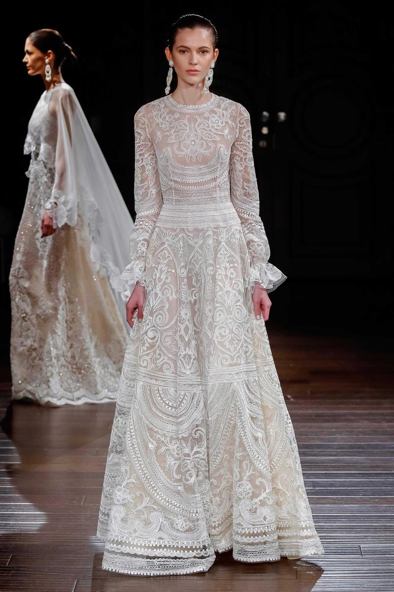 Wedding dresses photos new mexico by naeem khan for Dresses for mexico wedding