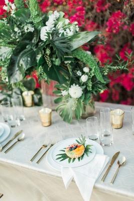 white tablescape ample verdure patterns votives berry tart vases boho wedding