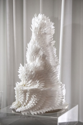 modern wedding cake with architectural white feather design unique wedding cake ideas