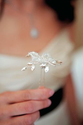 Rhinestone hairpin for wedding veil
