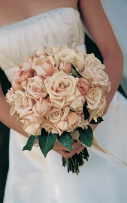 Pink roses and peonies for bride