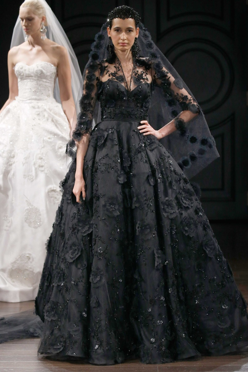 Naeem Khan Bridal Spring 2017 Havana Black Ball Gown Wedding Dress Flower  Details Matching Veil