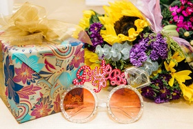 wedding shower bridal shower bride to be sunglasses round ring motif with gifts and flowers