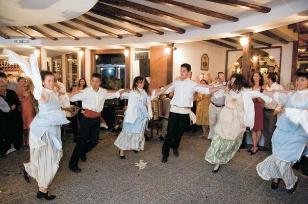 Destination Wedding On The Greek Island Of Santorini Inside Weddings