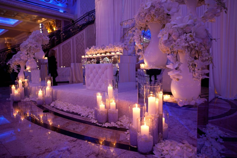 Reception Décor Photos - Newlywed\'s Alcove - Inside Weddings