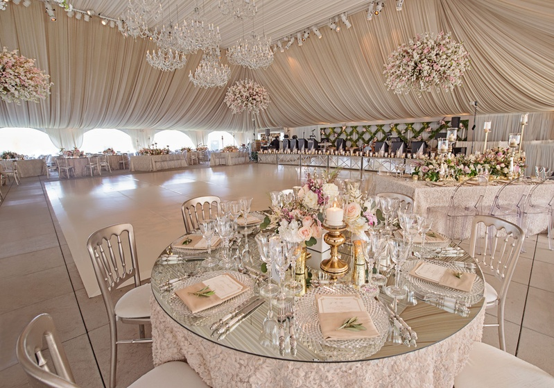Reception décor photos mirror top round table